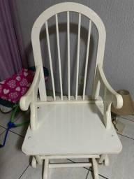 Título do anúncio: Cadeira de balanço para amamentação ou outro fim