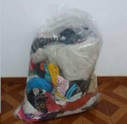 Título do anúncio: Vendo lote de roupas em ótimo estado