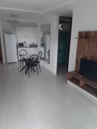 Apartamento semimobiliado em Tambaú