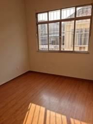 Título do anúncio: Alugo apartamento de 2 quartos em Olaria (Filomena Nunes)