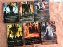 Título do anúncio: Livros séries Instrumentos Mortais - Cassandra Clare