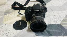 Título do anúncio: Canon semi Nova t6i