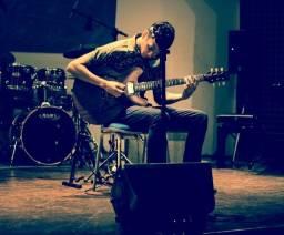 Título do anúncio: Aulas de Guitarra e Violão