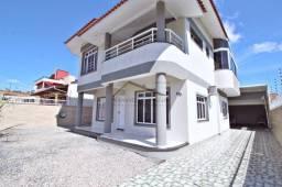 Título do anúncio: Casa com piscina em Canto Grande