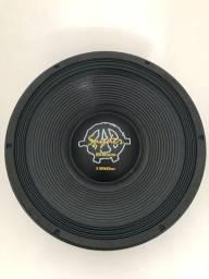 Spyder Kaos 15? 1350 bass 4 ohms novo