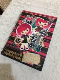 Título do anúncio: Caderno universitário Plush Poison e Monster High