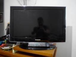 TV Monitor Samsung 26 polegadas, Display Touch Screen, Conversor Digital integrado