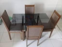 Mesa de Jantar de MADEIRA com 4 Cadeiras