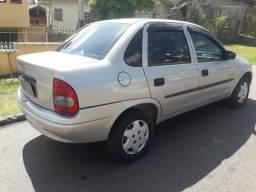 Corsa sedan 1.0 8v - 2005