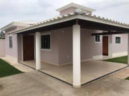 Localizada entre os dois centros comerciais / a rodoviária de Itaipuaçu e o Barroco