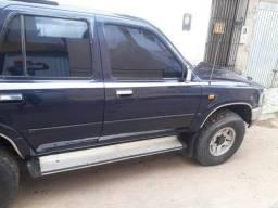 Vendo / troco por carro de menor valor sw4 Toyota 2.8disel 4x4 - 1993