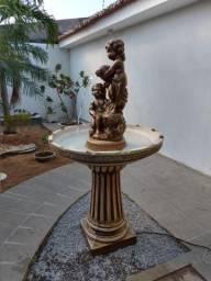 Fonte dos anjos em concreto para jardins