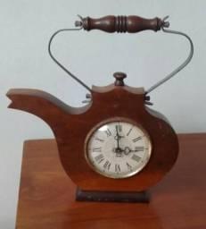 Relógio Antigo s/ Estrutura de Madeira