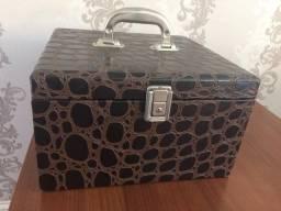 Porta Joias Luxo com prateleiras