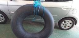 Boia de caminhão já com corda e atracado para puxa