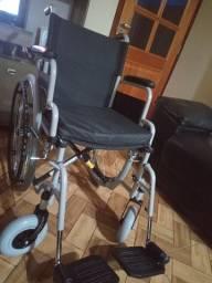 Cadeira de rodas de aço assento 43  suporta até 100 kilos, desmontável