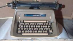 Máquina de escrever Remington 100