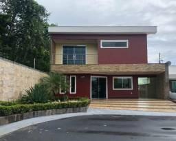 Casa duplex no condominio Forest hill