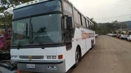 Ônibus pronto pra bandas