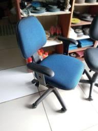 Cadeira de Escritório Giratória Reformada