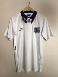 Título do anúncio: Camisa Inglaterra retrô 1994 G (veste M)