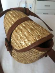 Vendo linda bolsa em palha