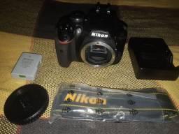 Camera Nikon D3400, a câmera é nova, nunca usada