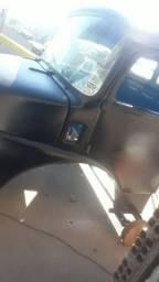 cabine caminhão mercedes 1113