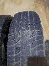 Título do anúncio: 2 pneus 175.70.13
