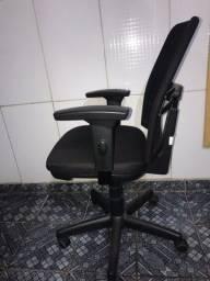 Título do anúncio: Vendo cadeira giratória diretor