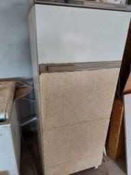 Título do anúncio: 2 geladeiras e 2 freezers