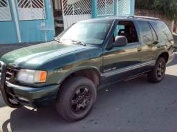 Título do anúncio: Chevrolet blazer vendo ou troco