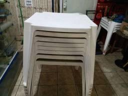 Título do anúncio: Mesas brancas quadrada