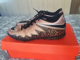 Chuteira Society Nike Hypervenom Phade IC - Tamanho 41