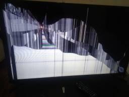 Título do anúncio: Tv smart 32 tela quebrada pouco tempo de uso.
