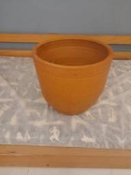 Vaso para planta de barro. Vasos. Vasos de plantas.