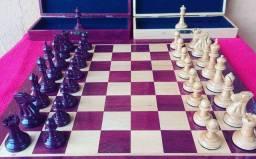 Título do anúncio: Peças de Xadrez 100% em madeira padrão oficial com estojos (sem o tabuleiro)