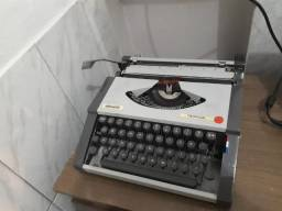 Máquina de Escrever Olivetti - Tropical