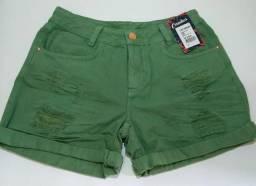 Shorts coloridos estilo destroyed. Apenas R$89,00