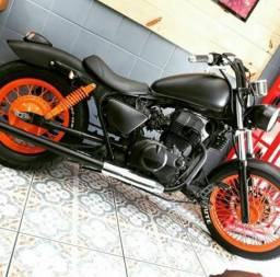 Moto Custom CB modificada - 1984