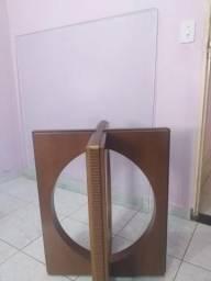 Vendo mesa sem cadeiras