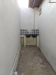 Alugo KitNet no congos c/ garagem