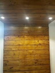 Painéis de parede com madeira de paletes