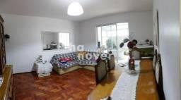 Apartamento Central com 2 Dormitórios (1 suíte), Garagem, Terraço.