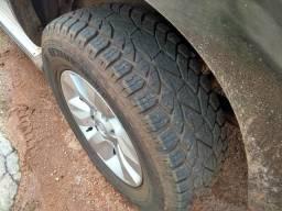 Toyota Hillux SRV 4x4 Diesel 105 mil - 2012