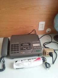 Aparelho de Fax Panasonic Modelo KX-F880, com secretária eletrônica.