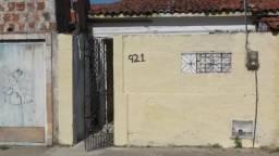 Casa com 1 dormitório para alugar, 30 m² por R$ 409,00/mês - Cristo Redentor - Fortaleza/C
