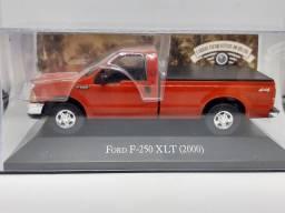 Miniatura  F250 XLT 2000 1/43 rara