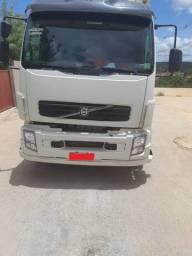 Caminhao Truck Volvo VM 260 Bau