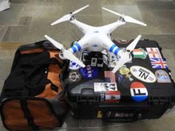 Drone DJi Phantom 2 ? 5 baterias + 4 motores + tela + controle + transmissores + maleta